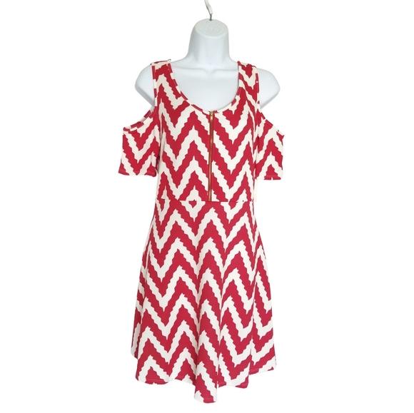 Espresso Dresses & Skirts - 🆕Espresso Chevron Cold-Shoulder Dress